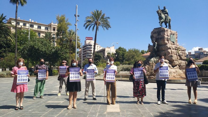 La manifestación del Orgullo en Palma, marcada por la discordia y el uso de mascarilla