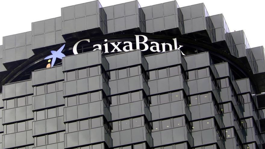 CaixaBank recol·locarà 500 treballadors en filials per reduir l'ERO fins als 7.791 afectats