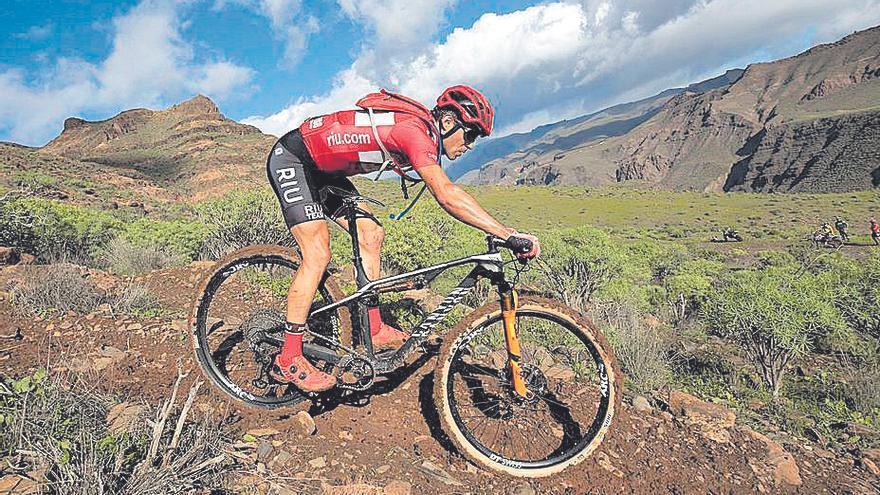 Blas Rivero y Kerstin Engelmann se imponen en el debut de la Fénix Bike
