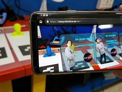 Presentación de los integrantes en Realidad Virtual