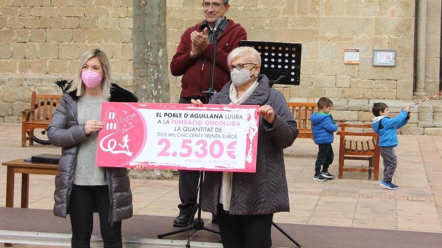 La primera Cursa de la Dona d'Agullana recull 2.530 euros per a l'Oncolliga