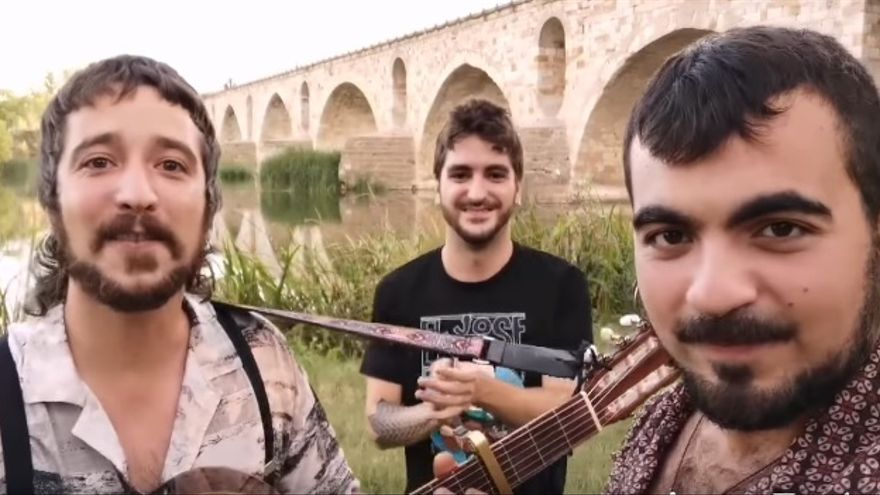 VÍDEO | El recuerdo rumbero a El Kanka desde el puente de piedra de Zamora