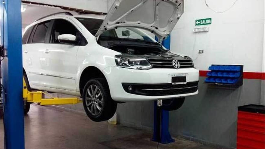 La patronal del automóvil acusa a los sindicatos de boicotear la firma del convenio
