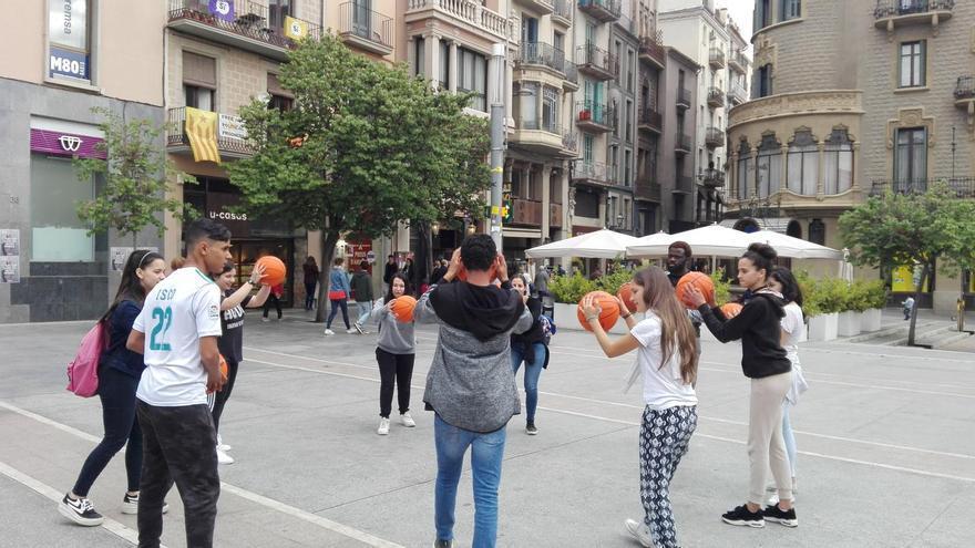 Tallers, una trobada d'entitats i un concert amb desfilada de moda solidària inclosa tancaran dissabte la Festa del Riu