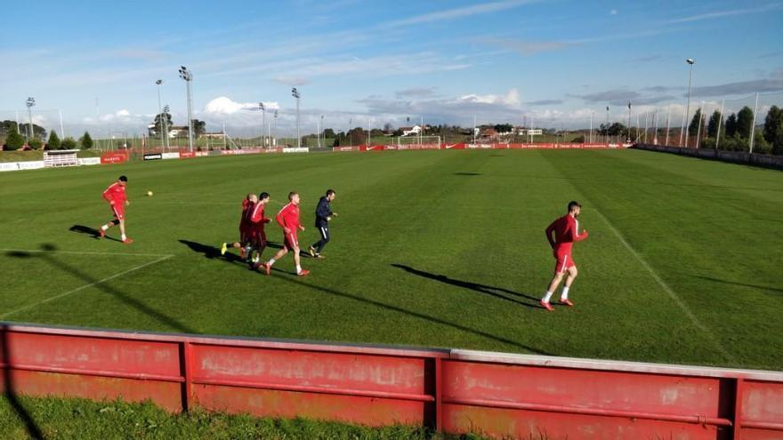 Los lesionados del Sporting se entrenan a la espera de Baraja