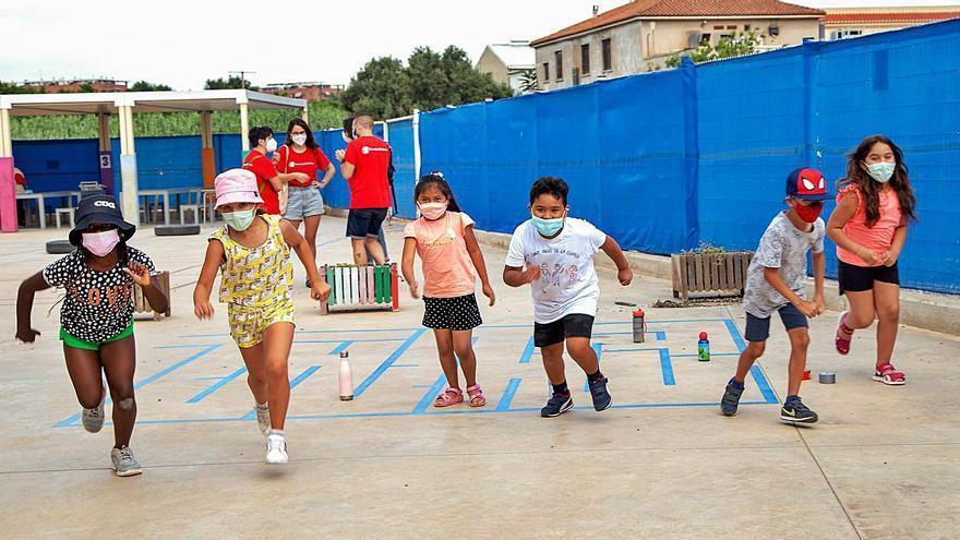 Save the Children atén a més de 500 menors als seus campaments d'estiu