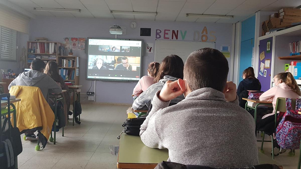 CEIP de Rubiáns en una charla de Faro da Escola.