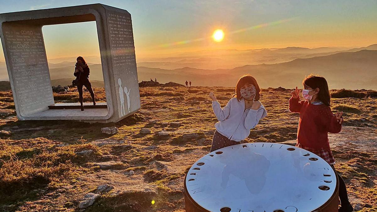 Miradoiro e observatorio astronómico no Castelo do Faro,  na parroquia de San Salvador de Prado, en Covelo.  | // FDV