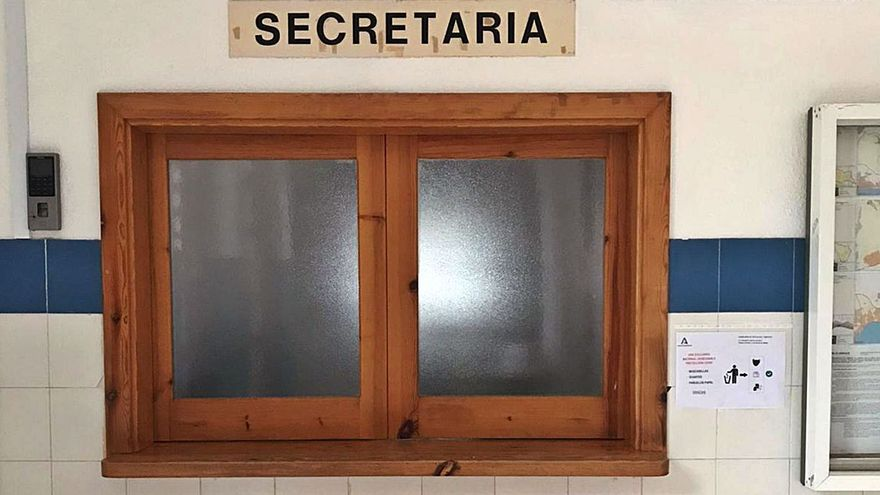 Denuncian falta de personal cualificado en la Secretaría del IES Guadalpín