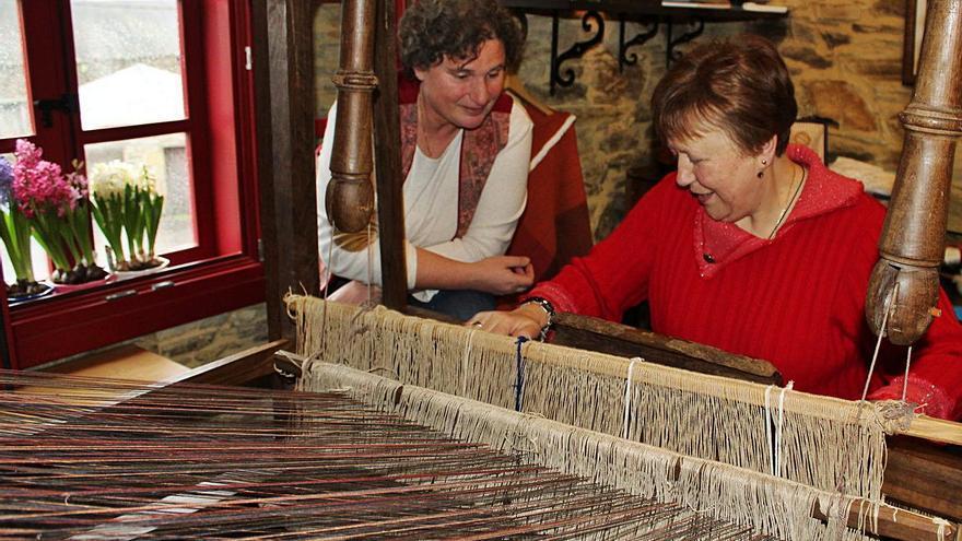Taramundi busca dar nuevos usos al centro de artesanía de Bres, que lleva un año cerrado
