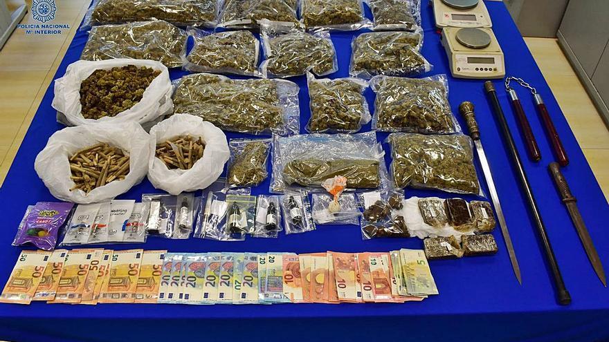 La Policía detiene a tres personas por vender droga en un restaurante de Ibiza