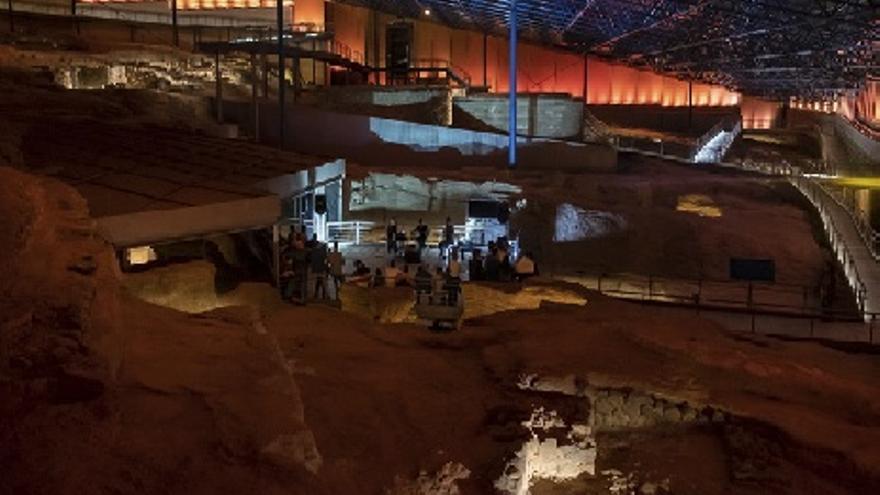 Visita Nocturna Una Mirada Nocturna al Yacimiento Cueva Pintada