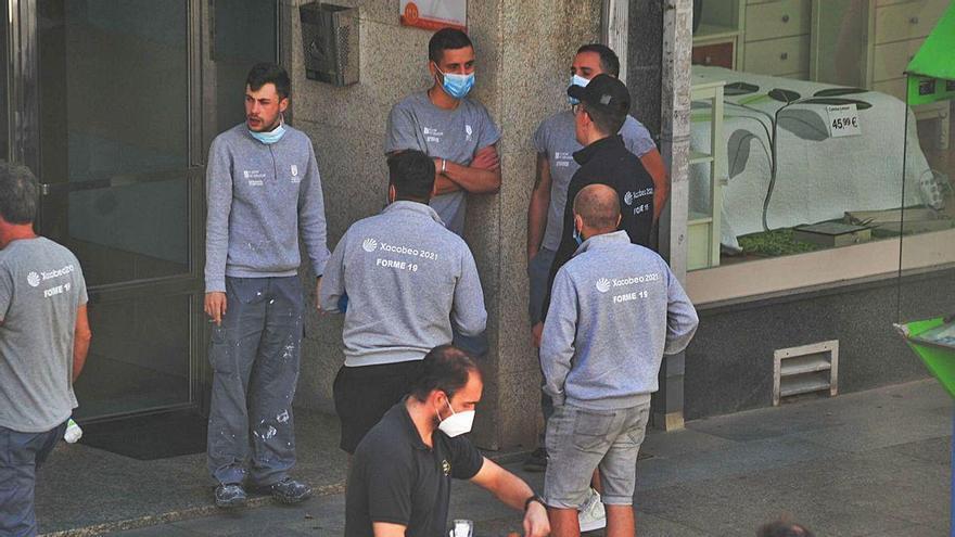 Industria y servicios favorecen una caída del desempleo en O Salnés en agosto