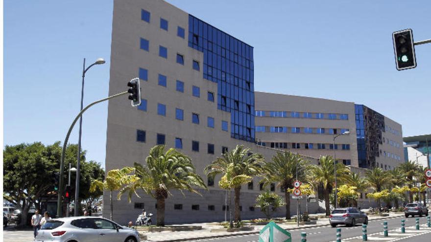 El fiscal solicita tres años de cárcel al llamado 'Pequeño Nicolás Canario'