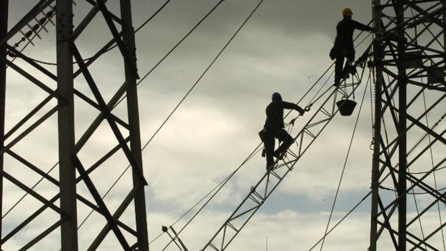 La CNMC señala que el sistema eléctrico es más barato con gas si se cambia la ley