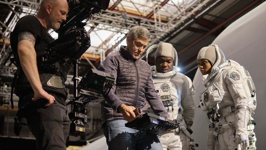 'Cielo de medianoche', la nueva película de George Clooney llega a Netflix