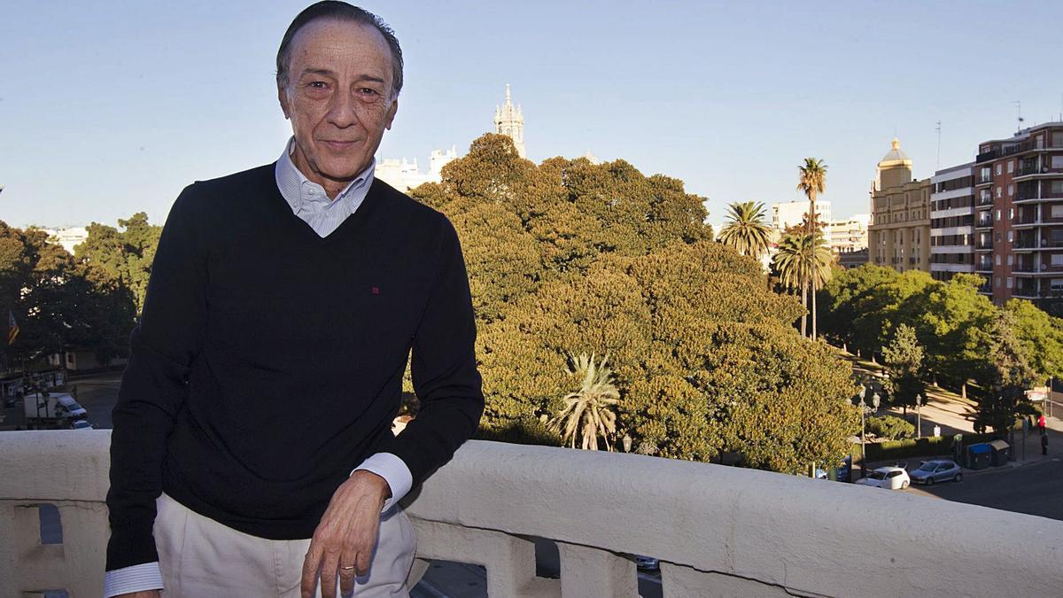 Juan Martín Queralt, impulsor de la unificación de las corrientes opositoras que se han formado en torno a Meriton.   GERMÁN CABALLERO