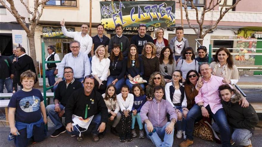 Las collas estrenan desfile propio con carros y colectivos para el miércoles de Magdalena
