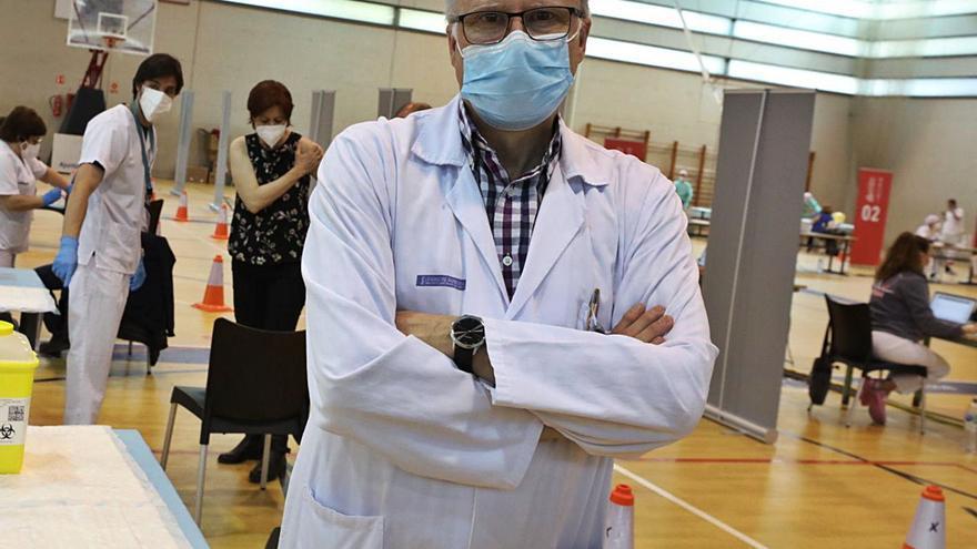 Carlos de Gregorio: «Los sanitarios sabemos que la prioridad ahora es vacunar y solventaremos este reto sin problemas»