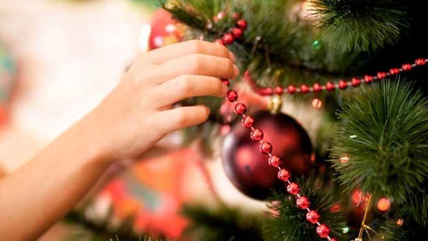 Trucos para guardar el árbol y otros adornos navideños