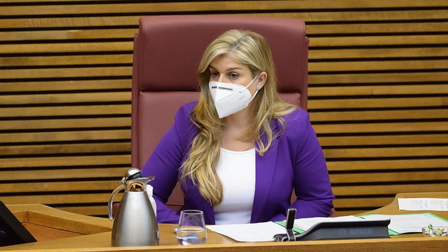 Eva Ortiz asume la voz del PPCV frente a Puig en las Cortes tras la renuncia de Bonig