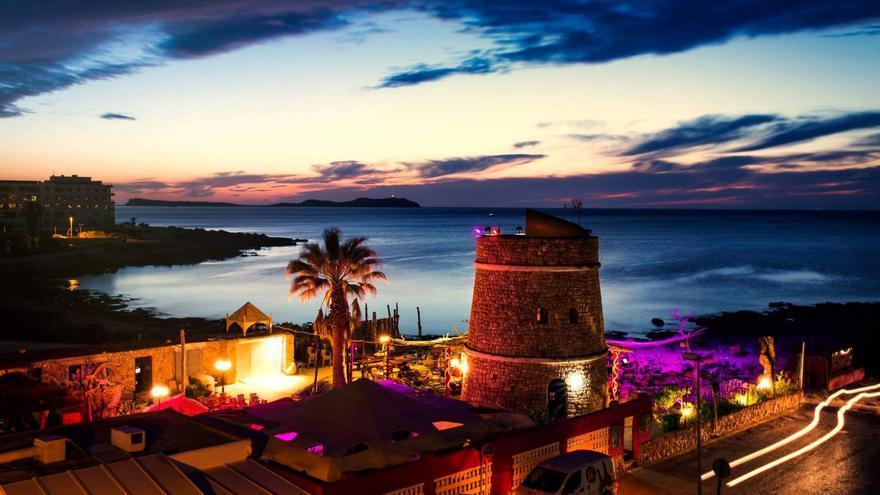 El mejor atardecer de Ibiza está en Kumharas