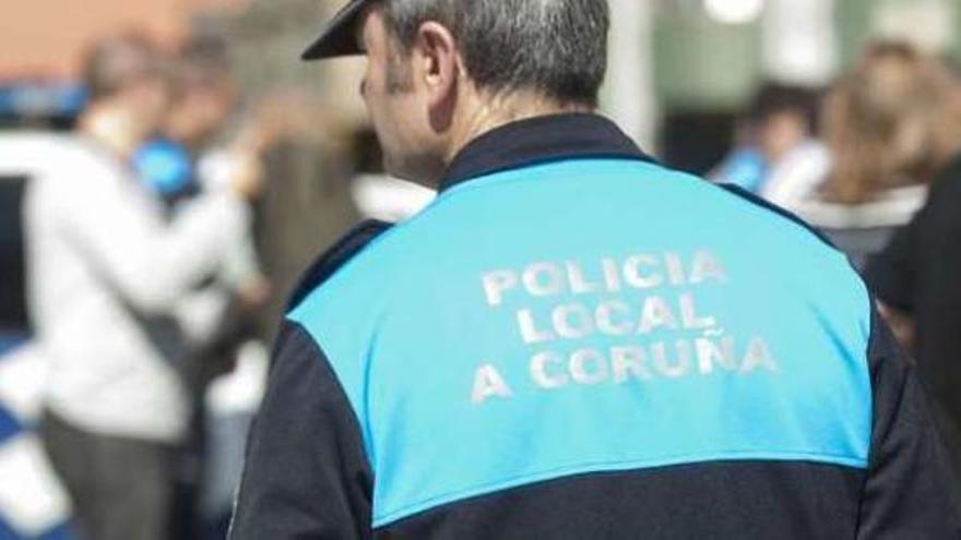 Dos ladrones asaltan una cafetería dos veces en tres días y huyen tras marcharse el 091