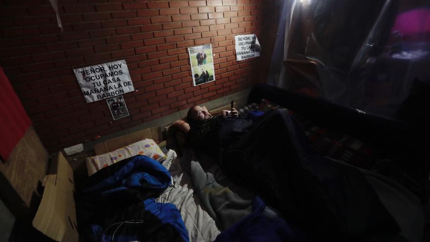 La vida dentro de los encierros hosteleros en las Cuencas: A Dios rogando y con el mazo dando... a Barbón