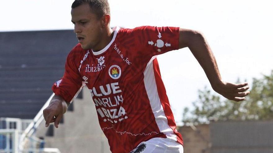 El defensa Dailos, primer fichaje del Marino para la próxima temporada