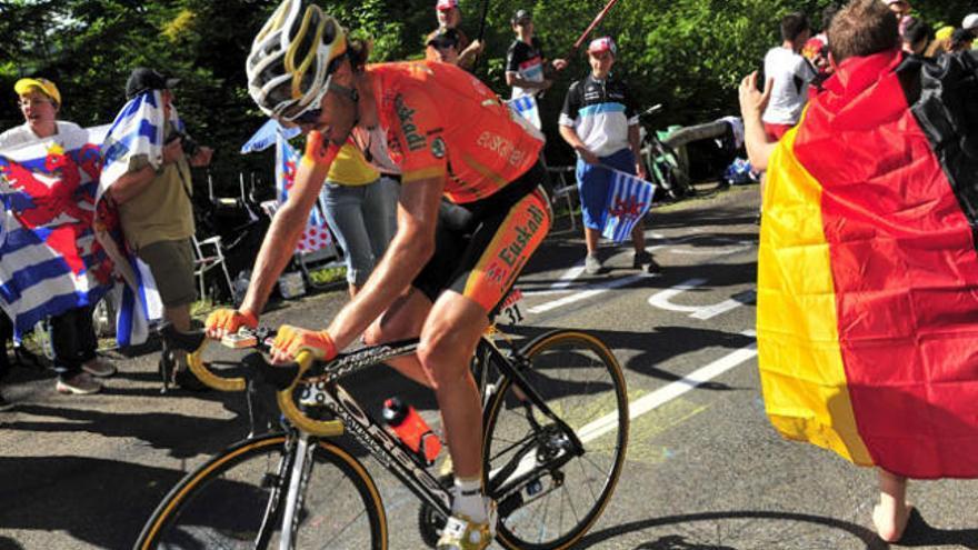 Samuel Sánchez dice adiós al Tour de Francia por una caída