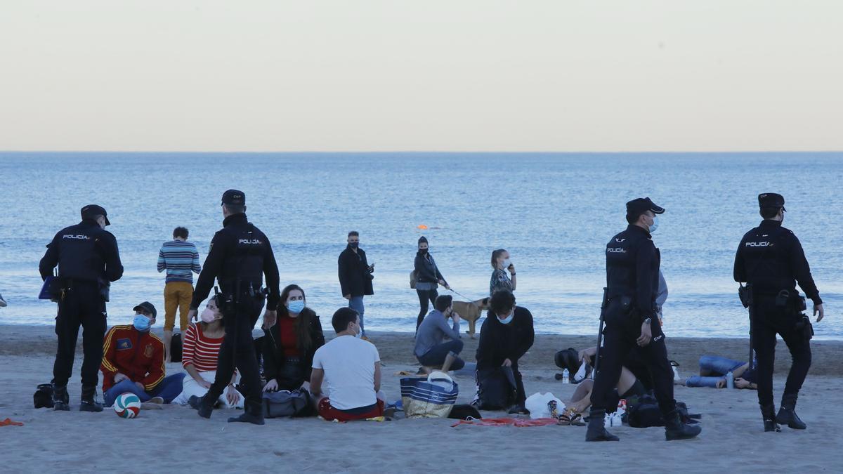 Más de 650 agentes se desplegaran por las playas de la provincia en la noche de San Juan