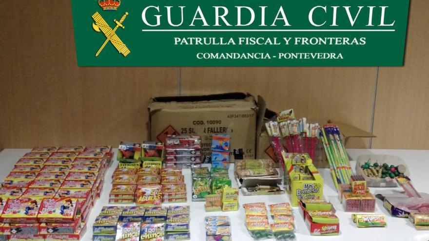 Intervenidos 9.000 petardos que vendían en un puesto ambulante de las fiestas de Mos
