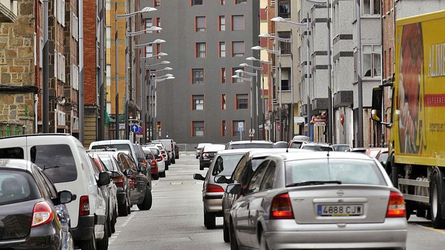Mieres invierte medio millón en arreglar la calle Gijón, una de sus grandes arterias