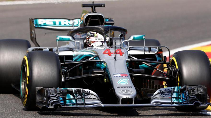 Hamilton, 'pole' en Bélgica en un mal día de Alonso y Sainz