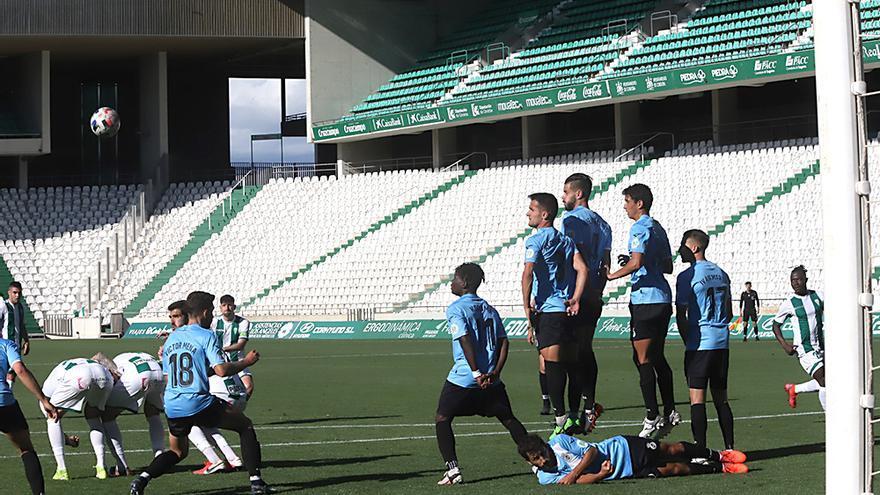 Saque de falta a favor del Córdoba CF.jpeg