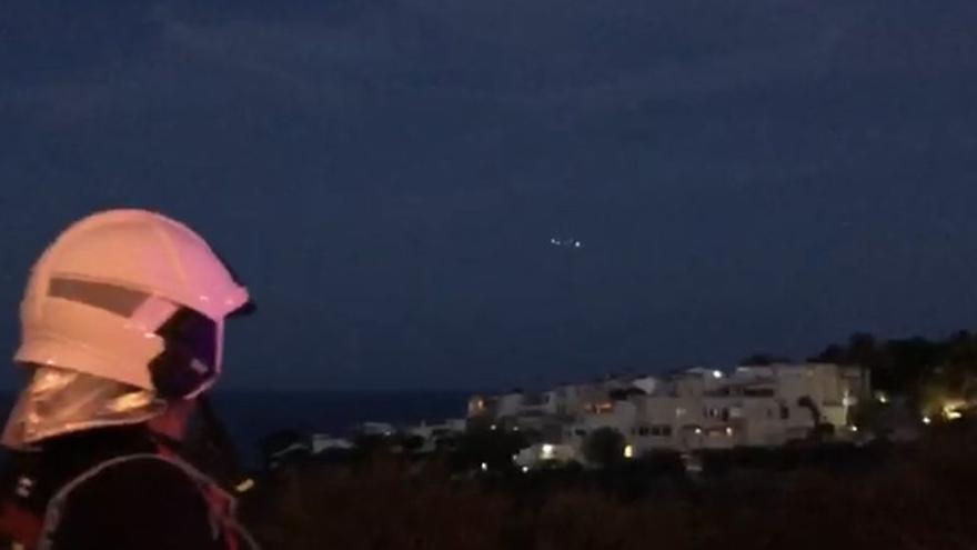 Una mujer llega a tierra tras nadar más de una hora al caerse de un velero en Alicante