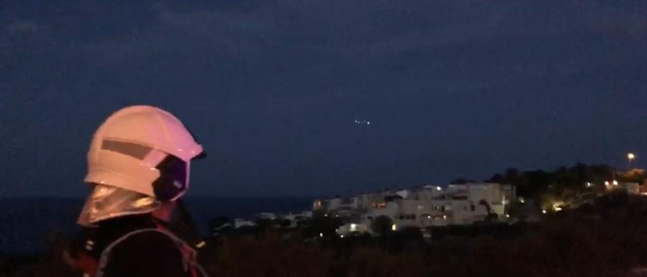 Operativo de búsqueda con drones ayer en el Cabo de las Huertas.