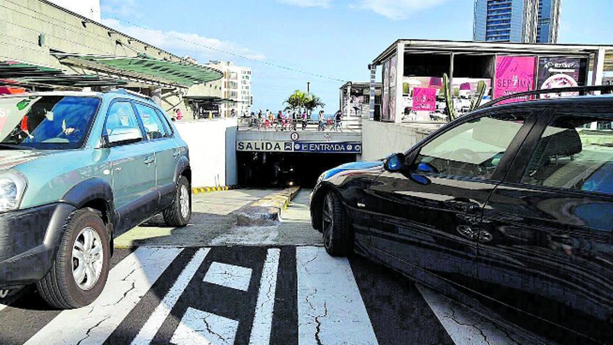 Santa Cruz de Tenerife entrega, de manera provisional, el 'parking' de Tres de Mayo a El Corte Inglés para evitar su cierre