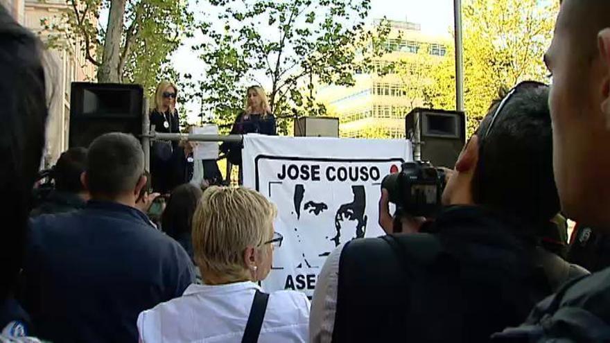 Concentración en recuerdo de José Couso ante la Embajada de EEUU
