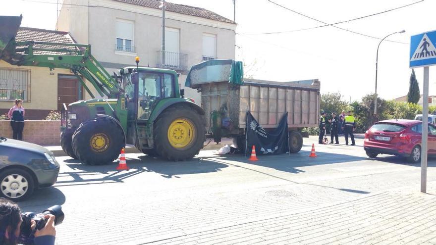 Muere una mujer atropellada por un tractor en Murcia