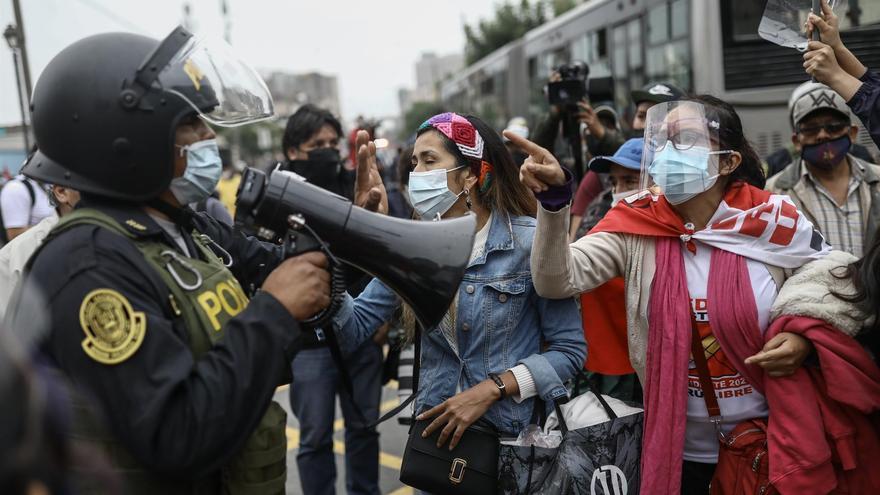 Tensión en Lima al coincidir dos marchas de seguidores de Castillo y Fujimori