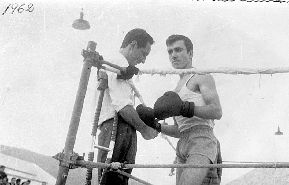 Una pelea en la Plaza del Teucro de Pontevedra, boxeando contra Antonio Otero