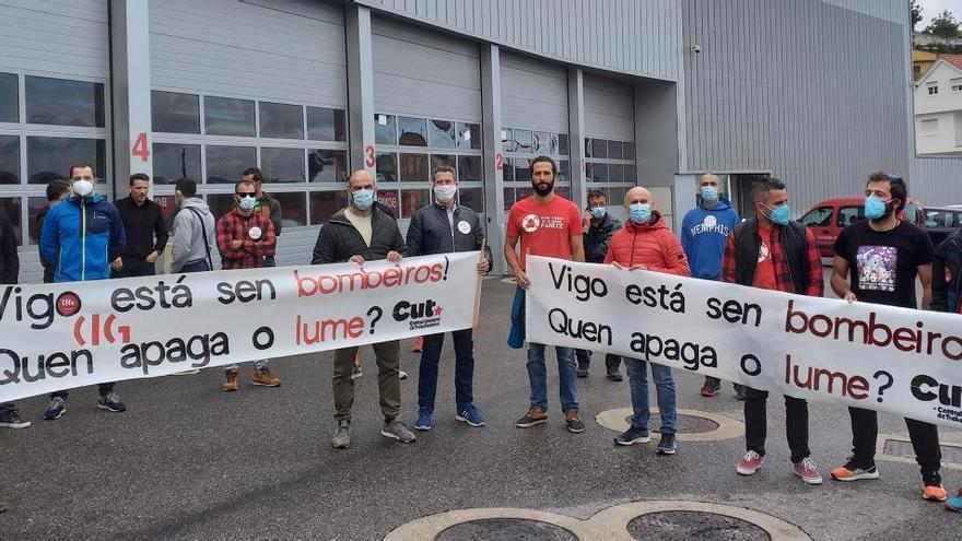"""Los bomberos de Vigo alertan de su """"situación insostenible"""" por la falta de personal"""
