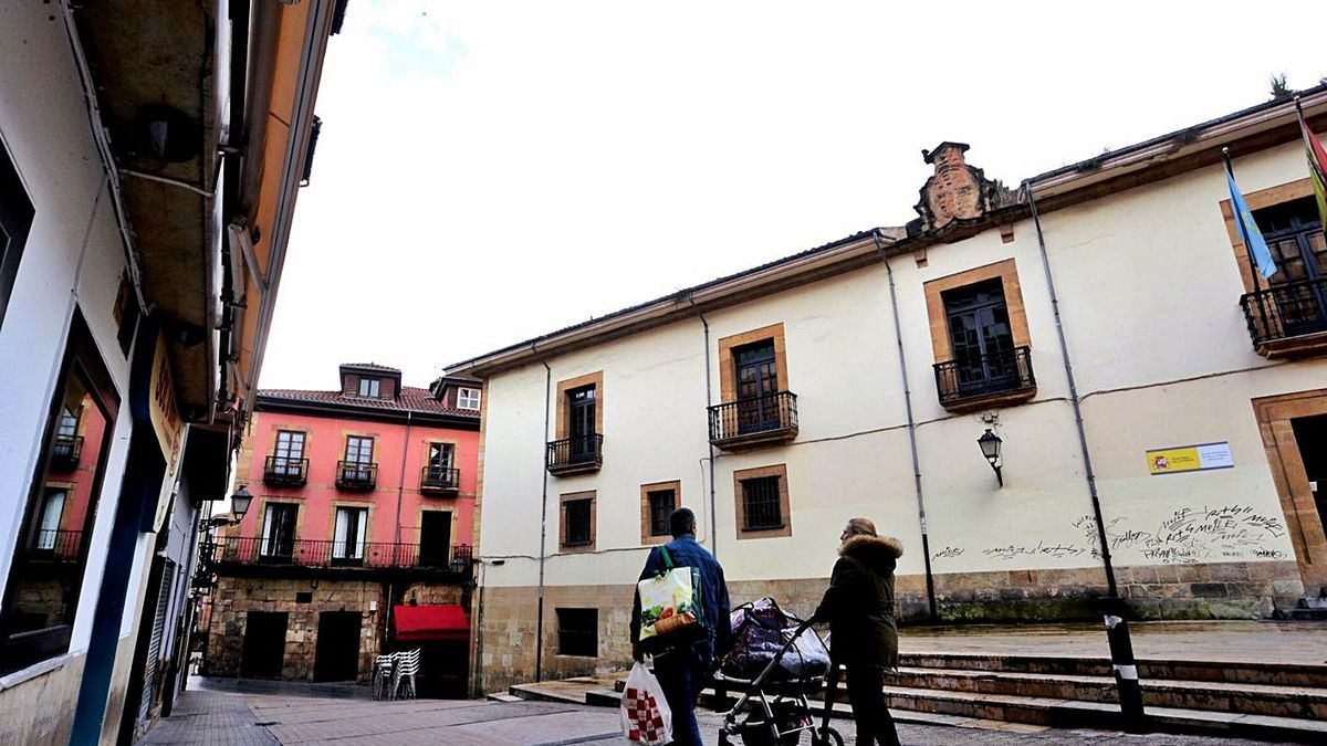 El palaciu d'Inclán y Leyguarda, na plaza del Sol. | Irma Collín
