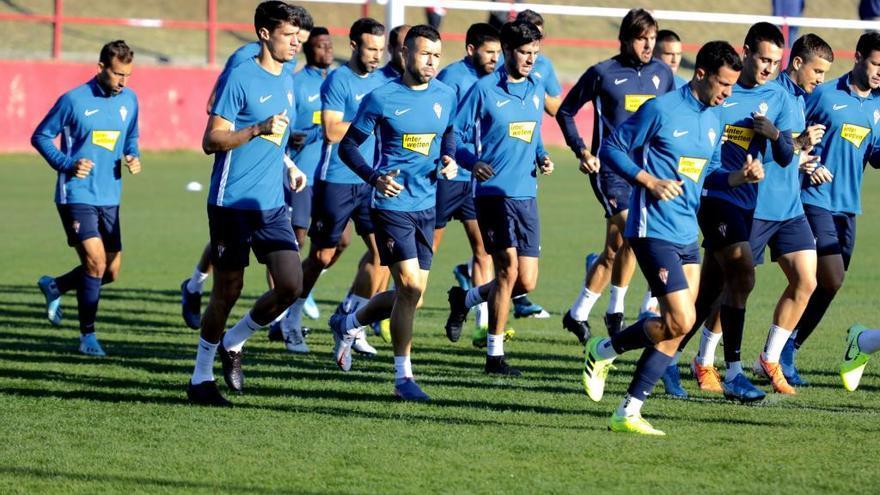 El Sporting repite en Fuenlabrada la alineación que goleó al Almería