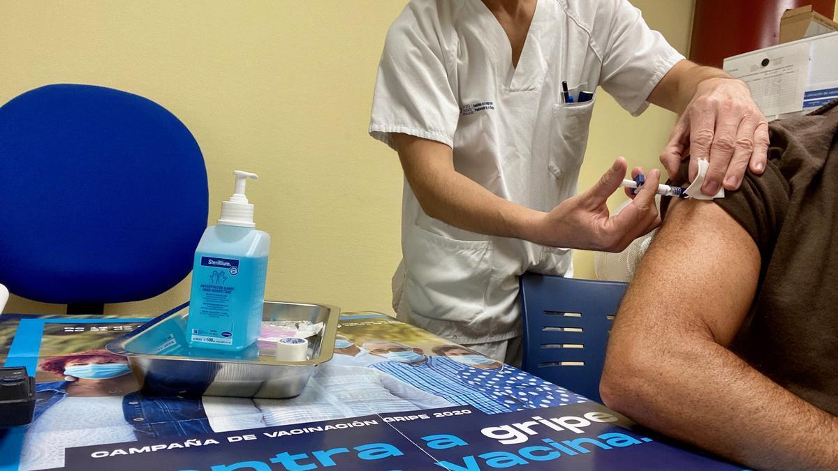 En Galicia ya se han vacunado de la gripe 400.000 personas.