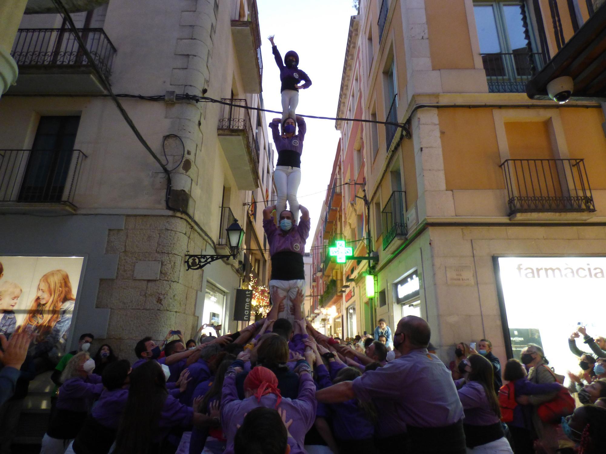 La Colla Castellera de Figueres torna a la plaça de l'Ajuntament després d'un any i mig