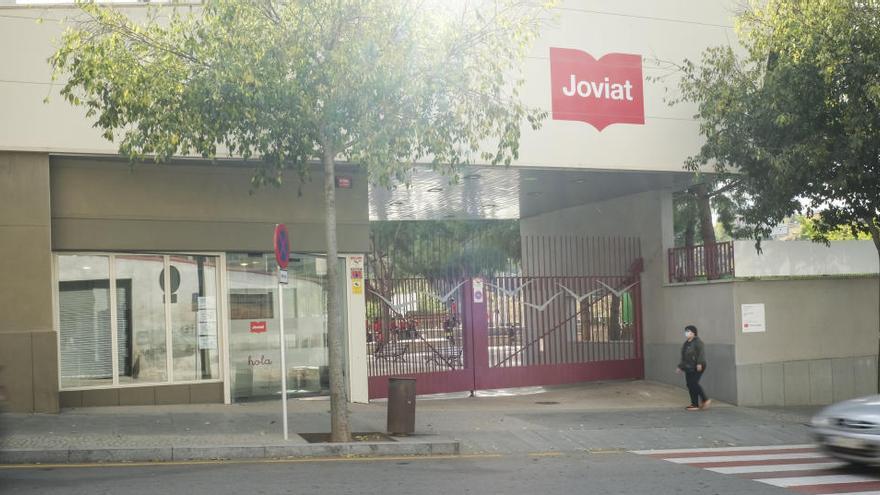 L'Escola Joviat demana a la Generalitat passar a ser un centre públic