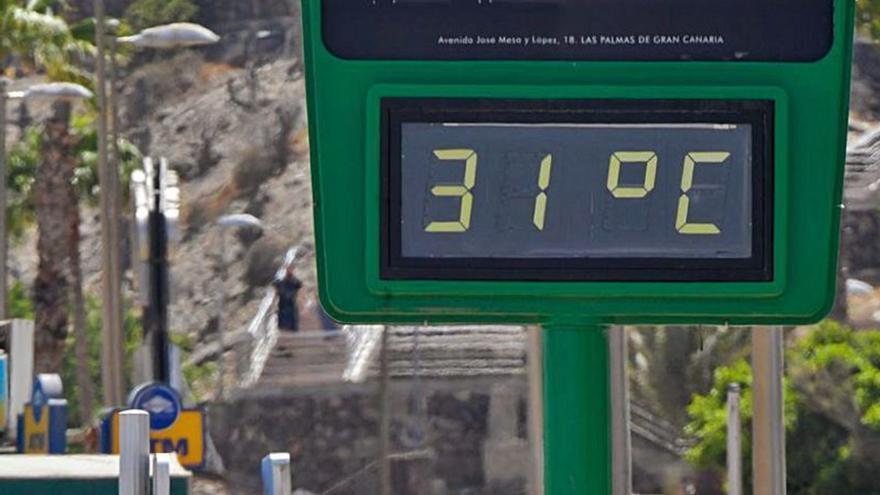 La ola de calor en la Península llegará el fin de semana a Canarias con calima