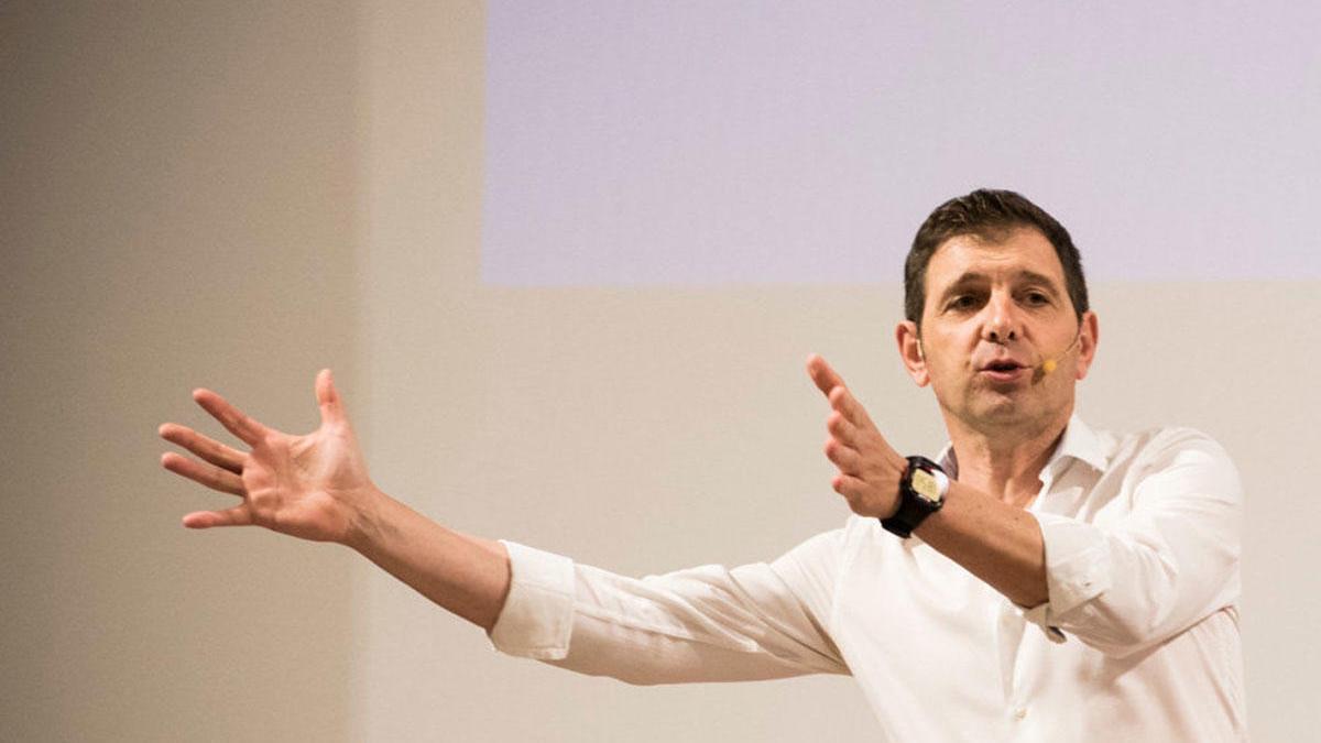 """Fernando Castaño: """"Educamos más con lo que hacemos que con lo que decimos""""."""